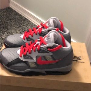 Nike youth air trainer